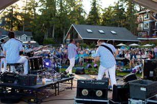 We were off to Oregon the next morning, but the first night we saw this very entertaining Beach Boys cover band.